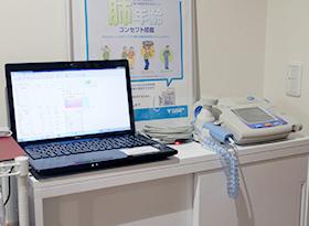 肺年齢・肺活量測定器